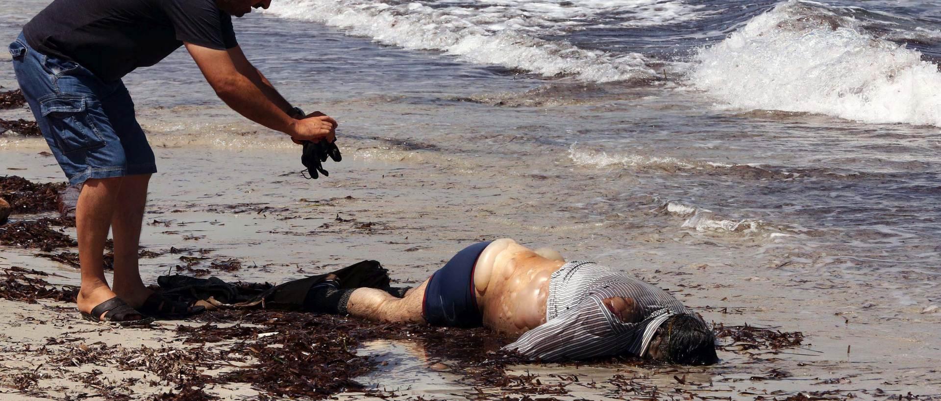 TRAGEDIJA ZA TRAGEDIJOM: U potonuću broda kod libijske obale život izgubilo 37 migrantima