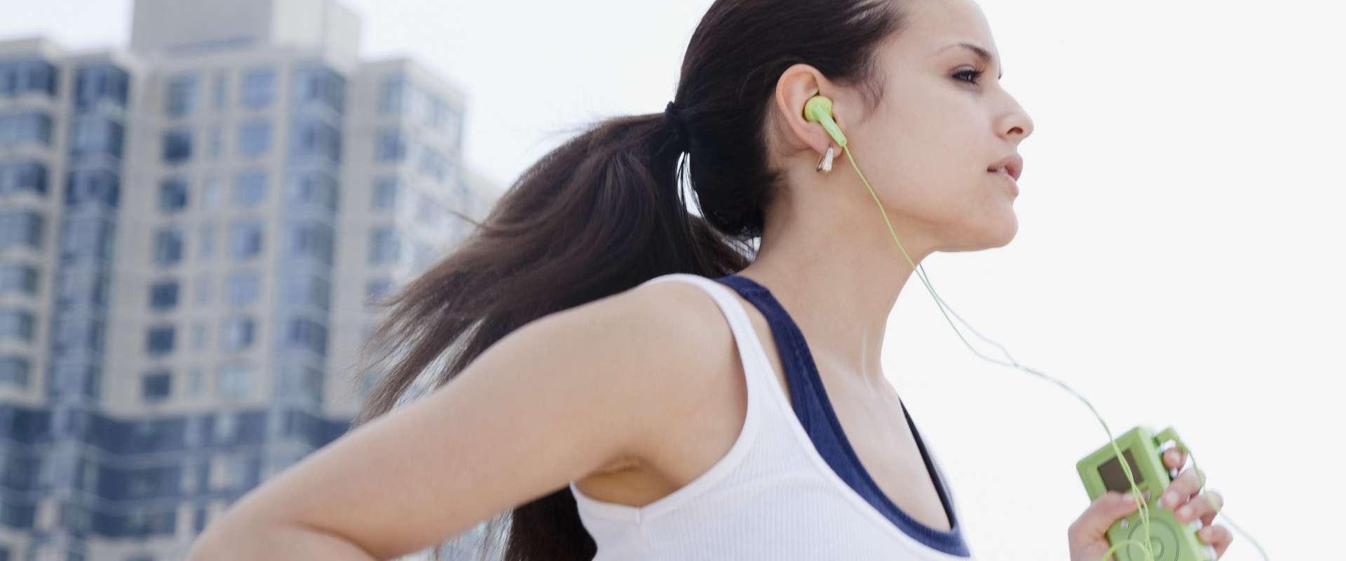Zašto se bolje vježba uz glazbu