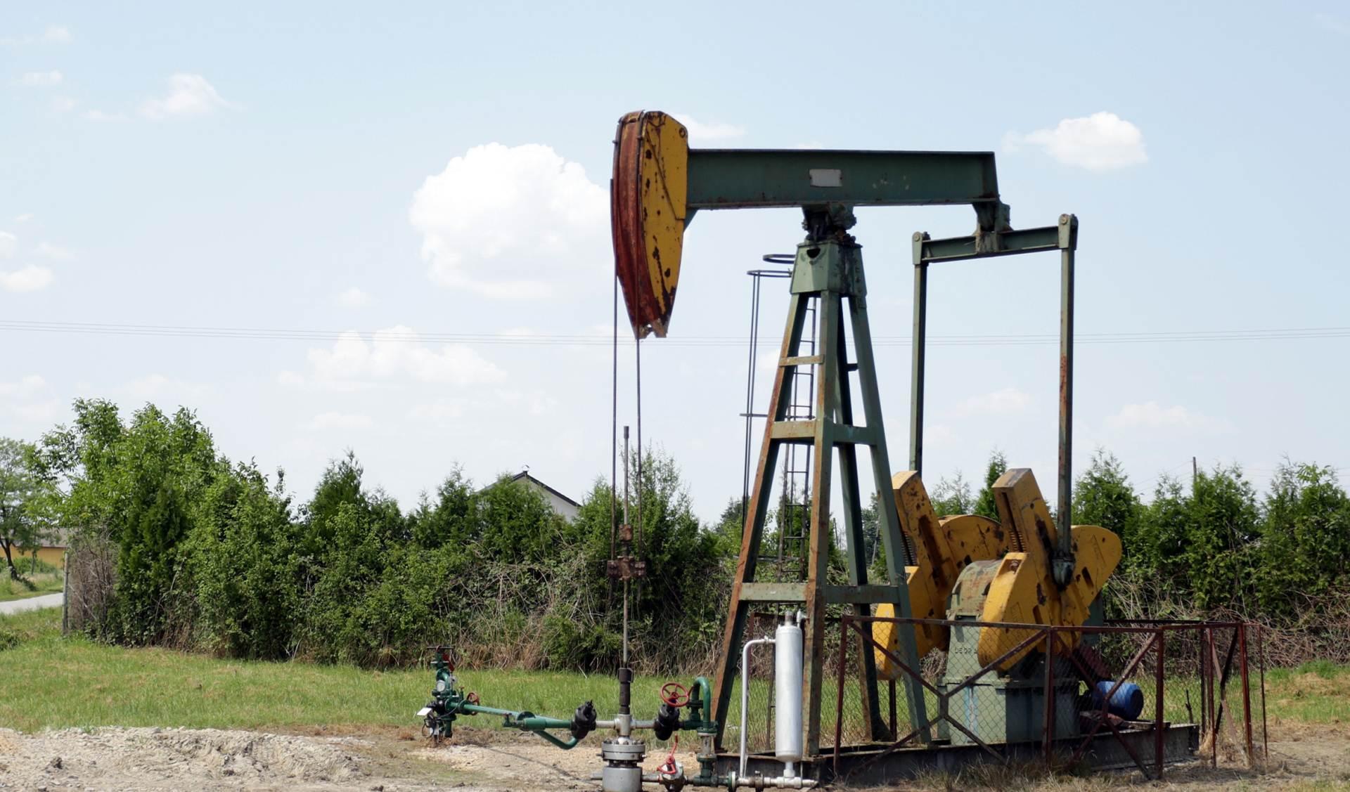 Cijene nafte prošloga tjedna pale više od 8 posto