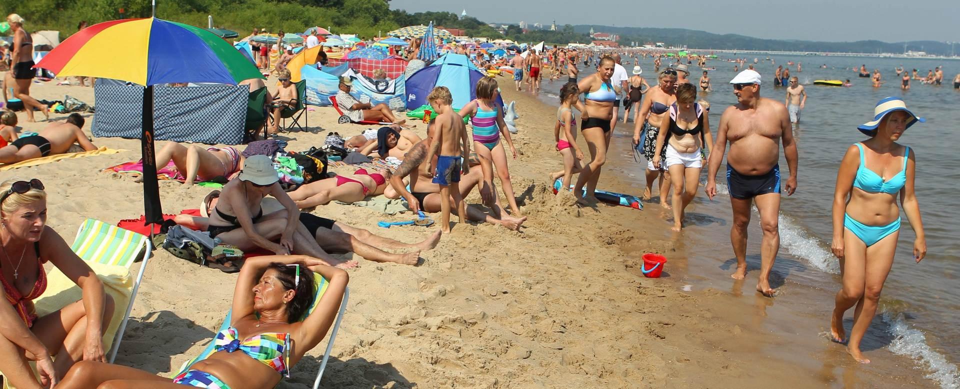 """NEMA VIŠE ČUVANJA HLADA: Španjolci kažnjavaju """"okupatore"""" plaže"""