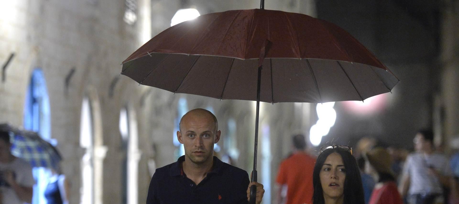 NAGLO ZAHLADILO: Jako nevrijeme pogodilo jug Hrvatske