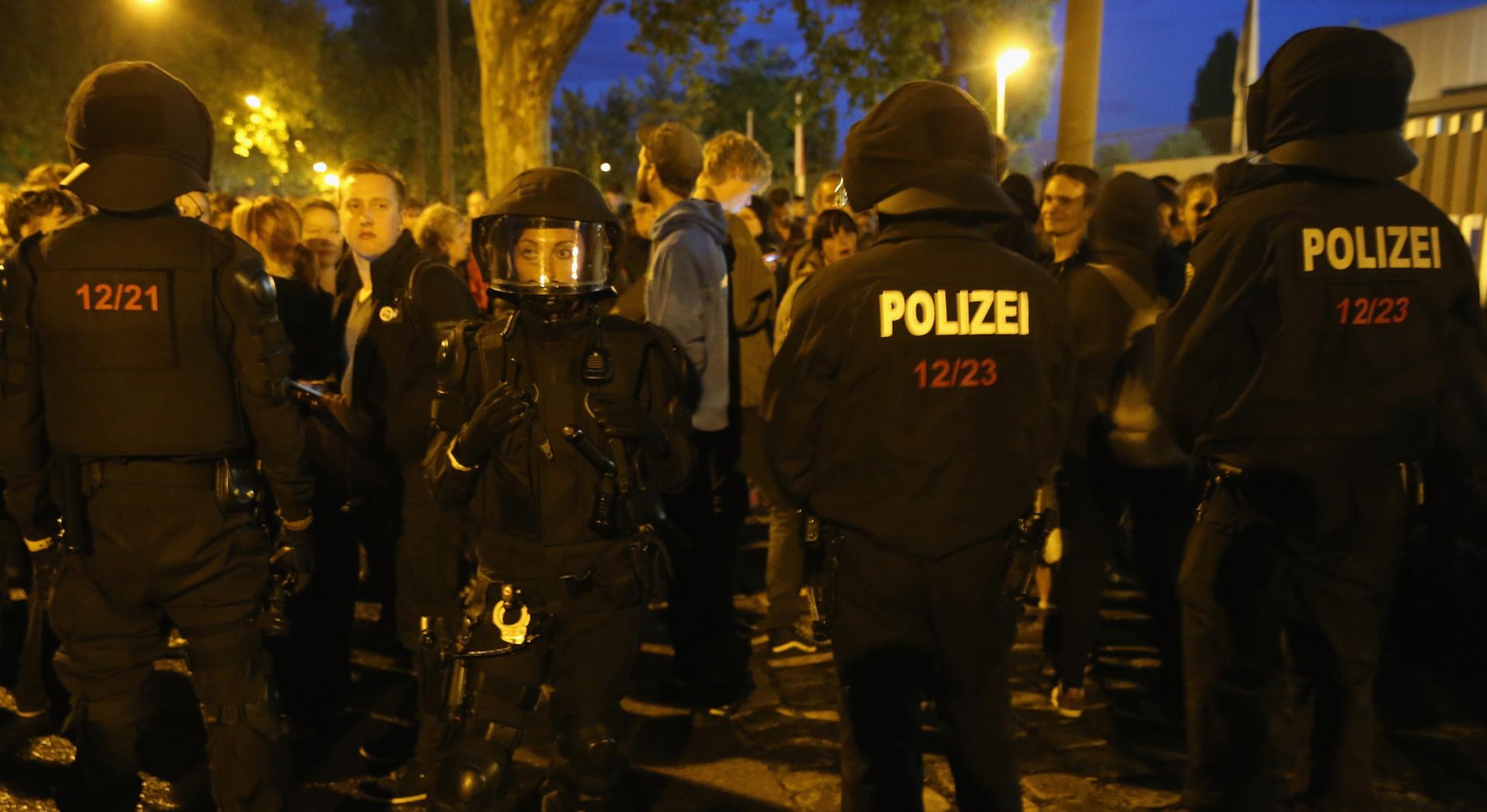 Sukobi policije i krajnje desnice zbog izbjeglica u Njemačkoj