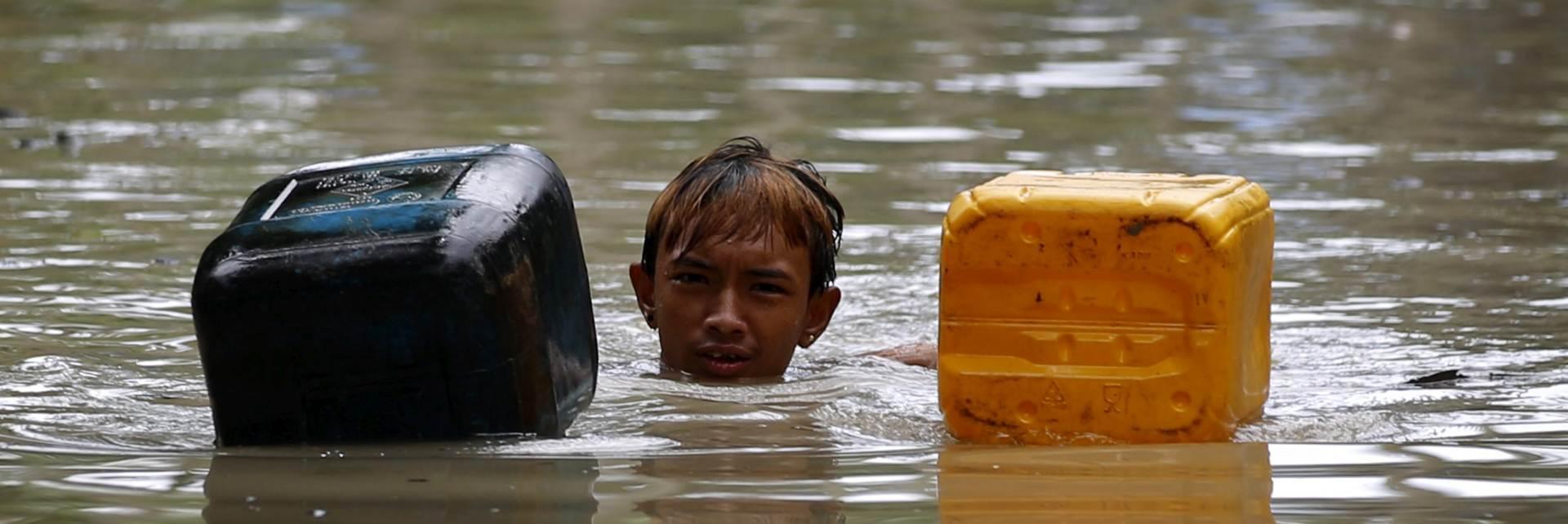 VIDEO: Sjeverni dio Filipinskog otočja pod vodom