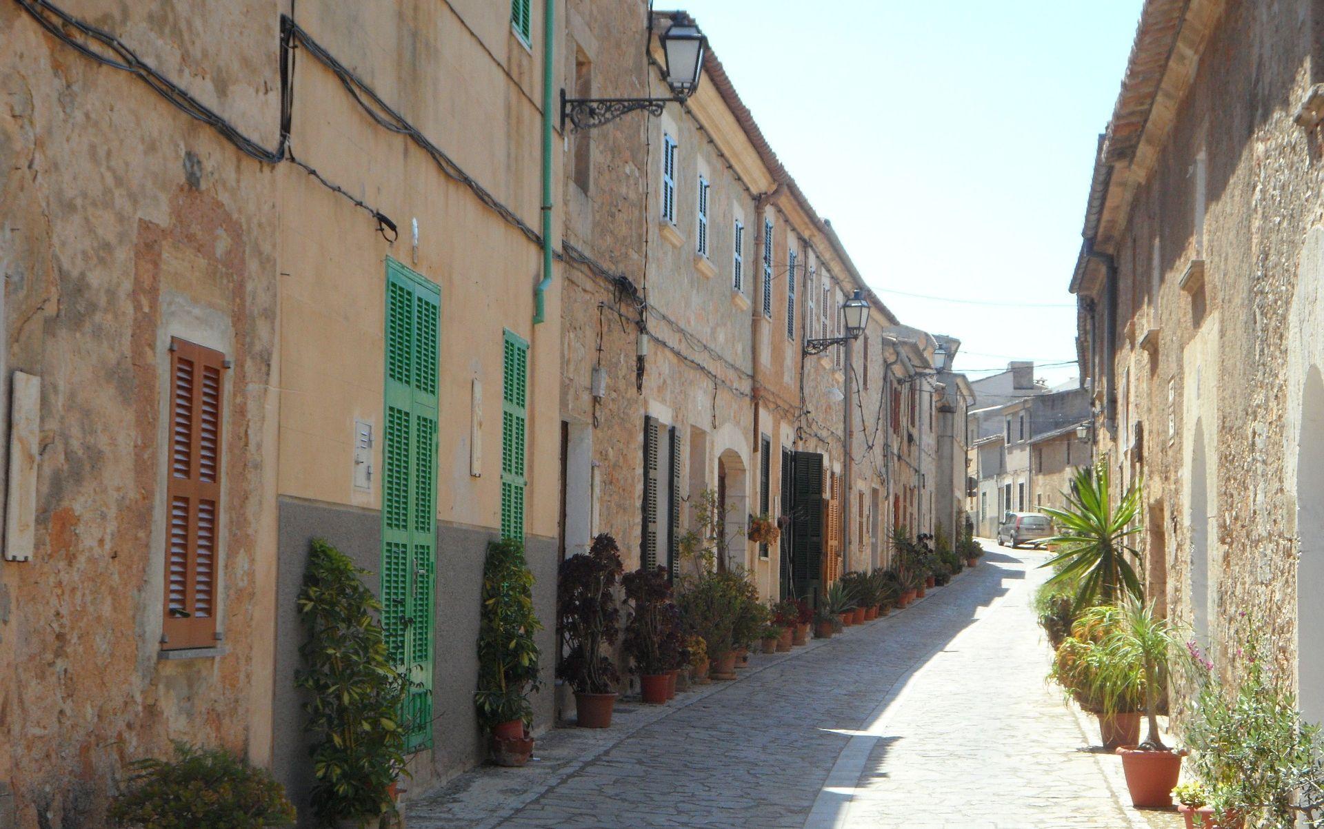 SAN VICENTE DE LA BARQUERA Španjolski gradić u kojem turisti i stranci biraju imena ulica