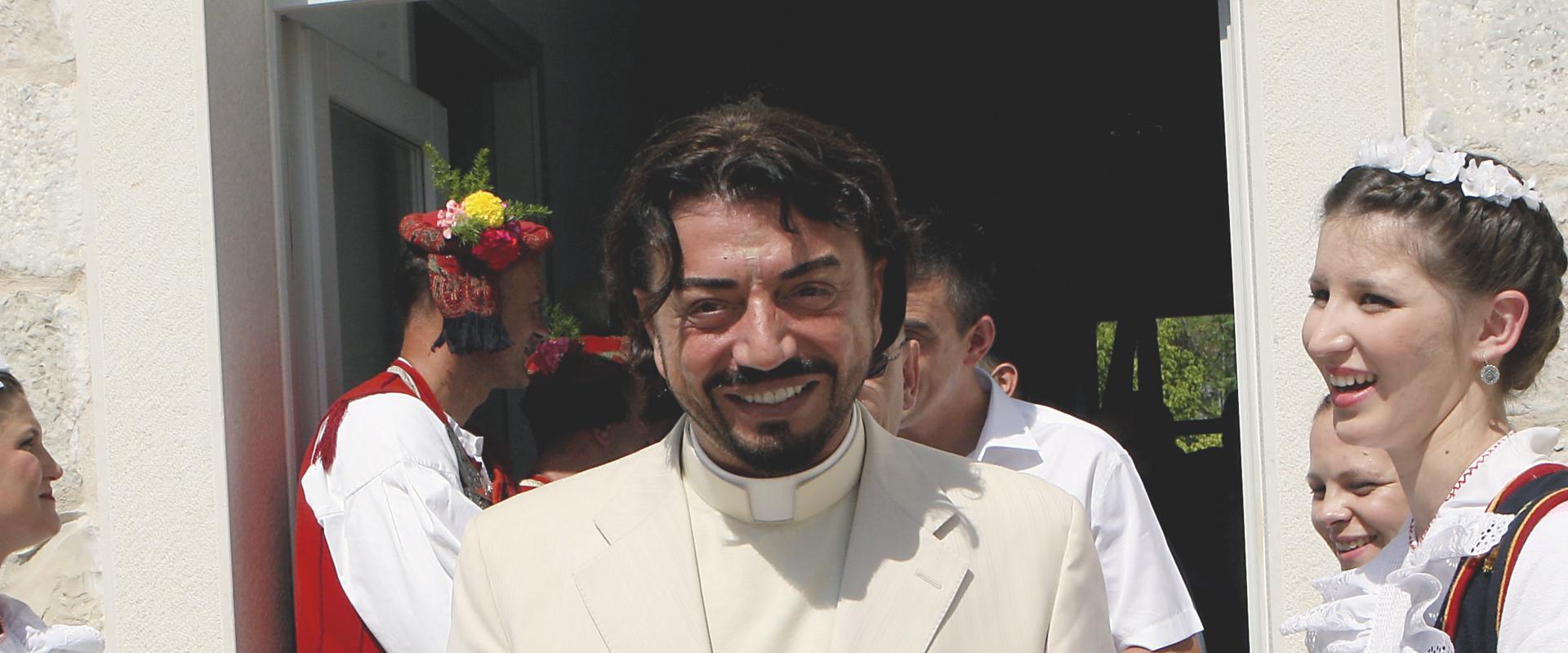 ZLATKU SUDCU DOPUŠTENA OBNOVA DUHOVNIH SEMINARA: Nova manipulacija crkve s karizmatikom