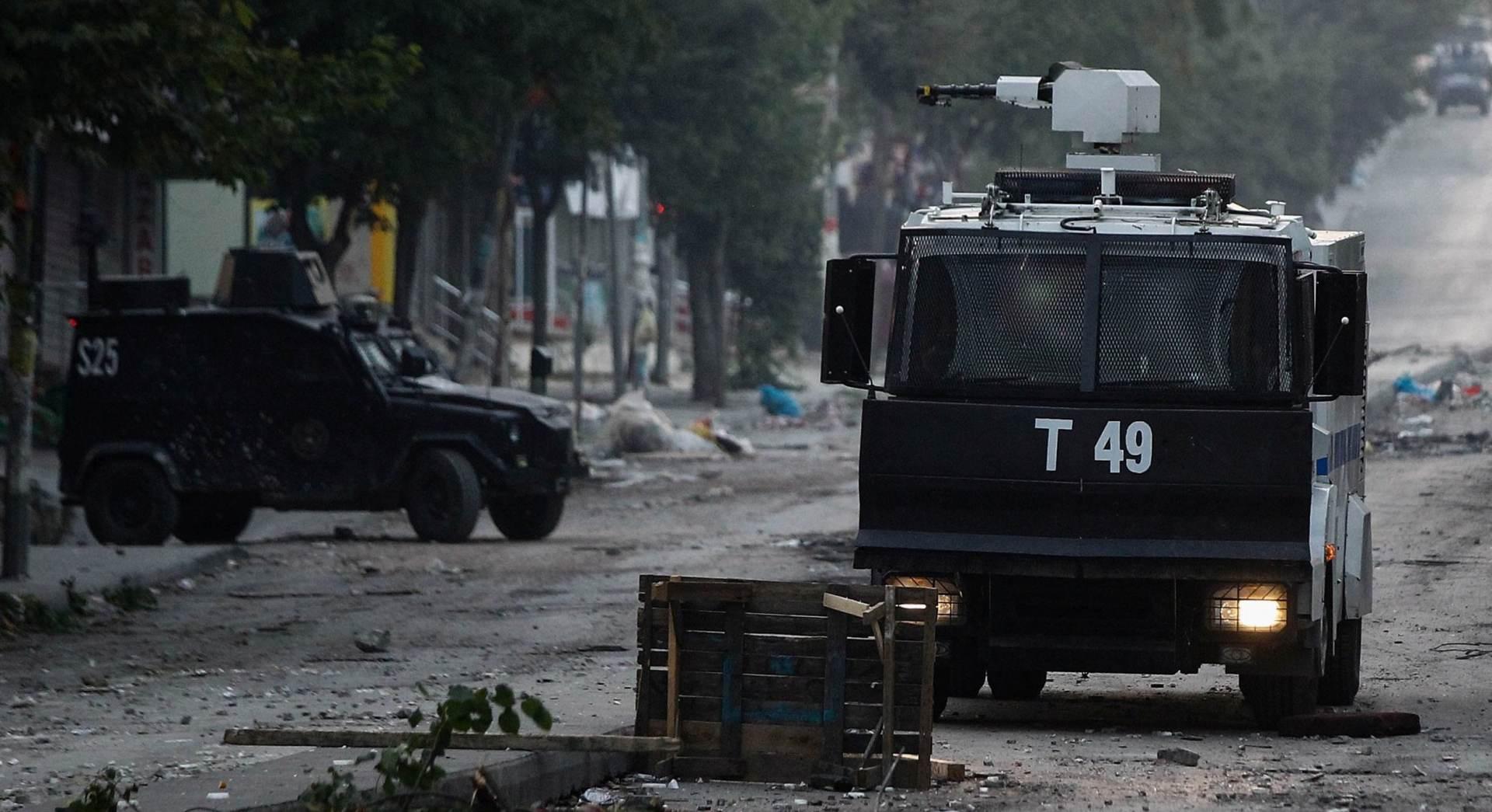 PROMJENA TAKTIKE: Dva vojnika poginula, 24 ranjena u samoubilačkom napadu PKK