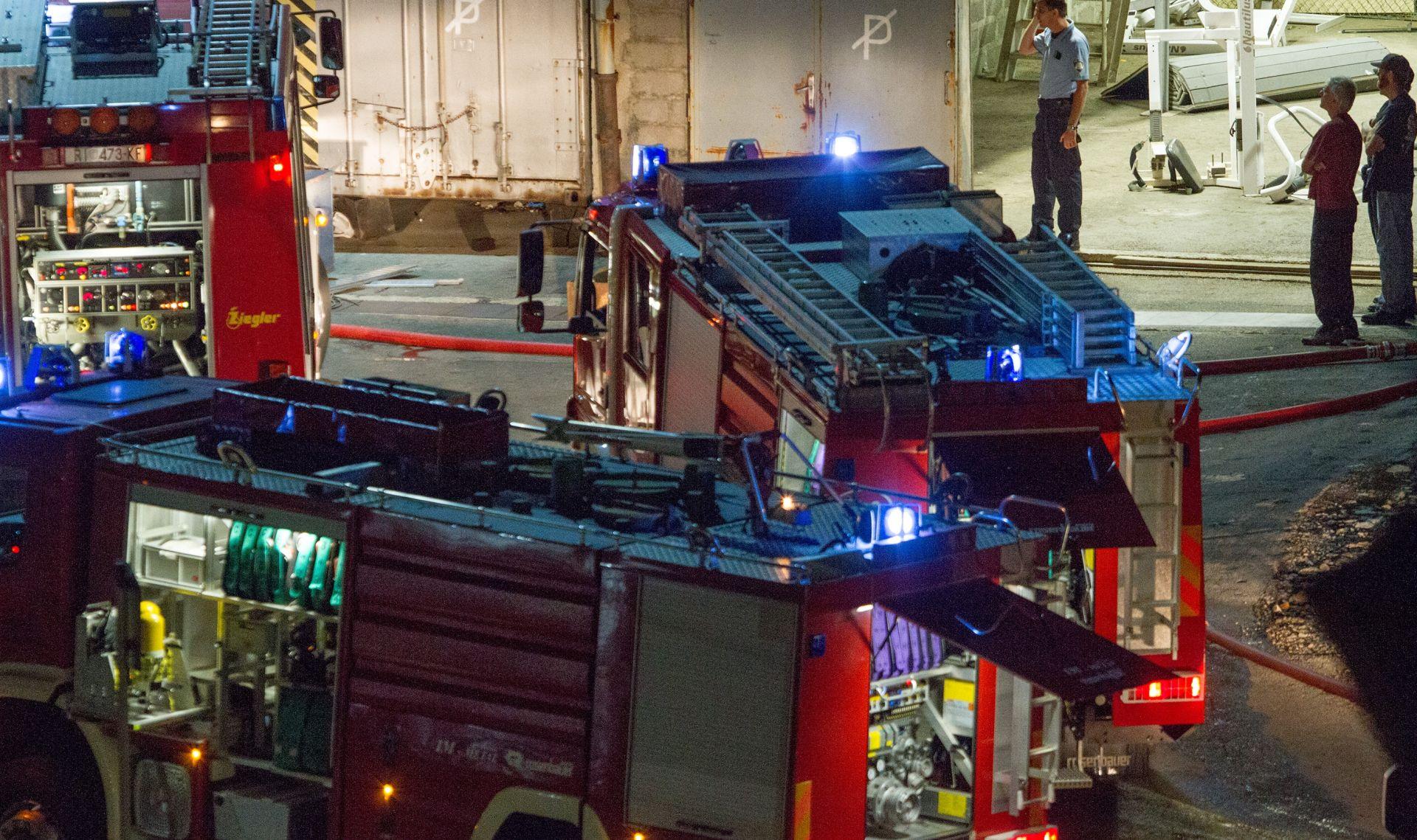 POŽAR U RIJEČKOM BRODOGRADILIŠTU Planula vatra na brodu Američke ratne mornarice