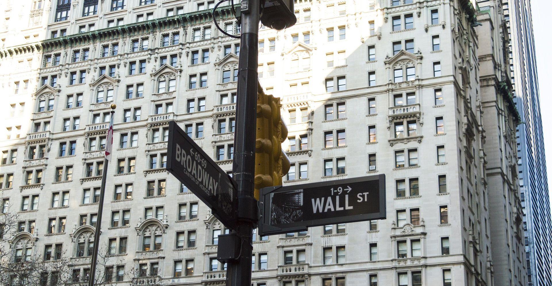 FACEBOOK STRMOGLAVIO Wall Street potonuo više od 2 posto