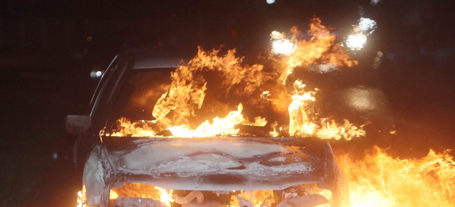 HEROJI: Dvojica Zadrana izvukla mladića iz gorućeg automobila