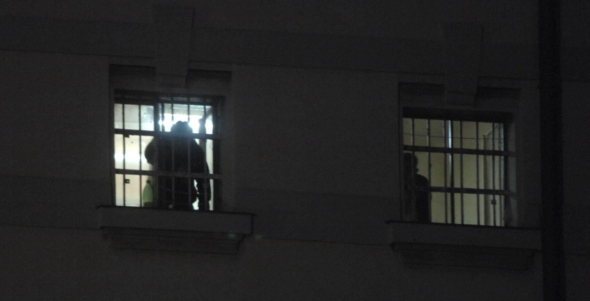 Tri godine strogog zatvora za novinare Al-Jazeere