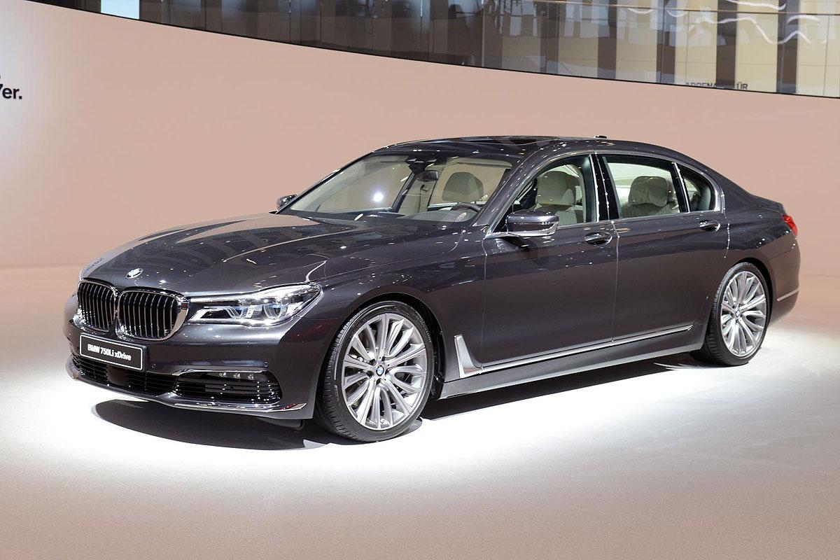 BMW Serije 7 zablistao u Frankfurtu