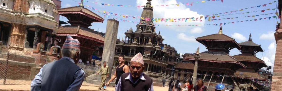 VIDEO: Nepalski grad Bhaktapur nakon i prije razornog potresa