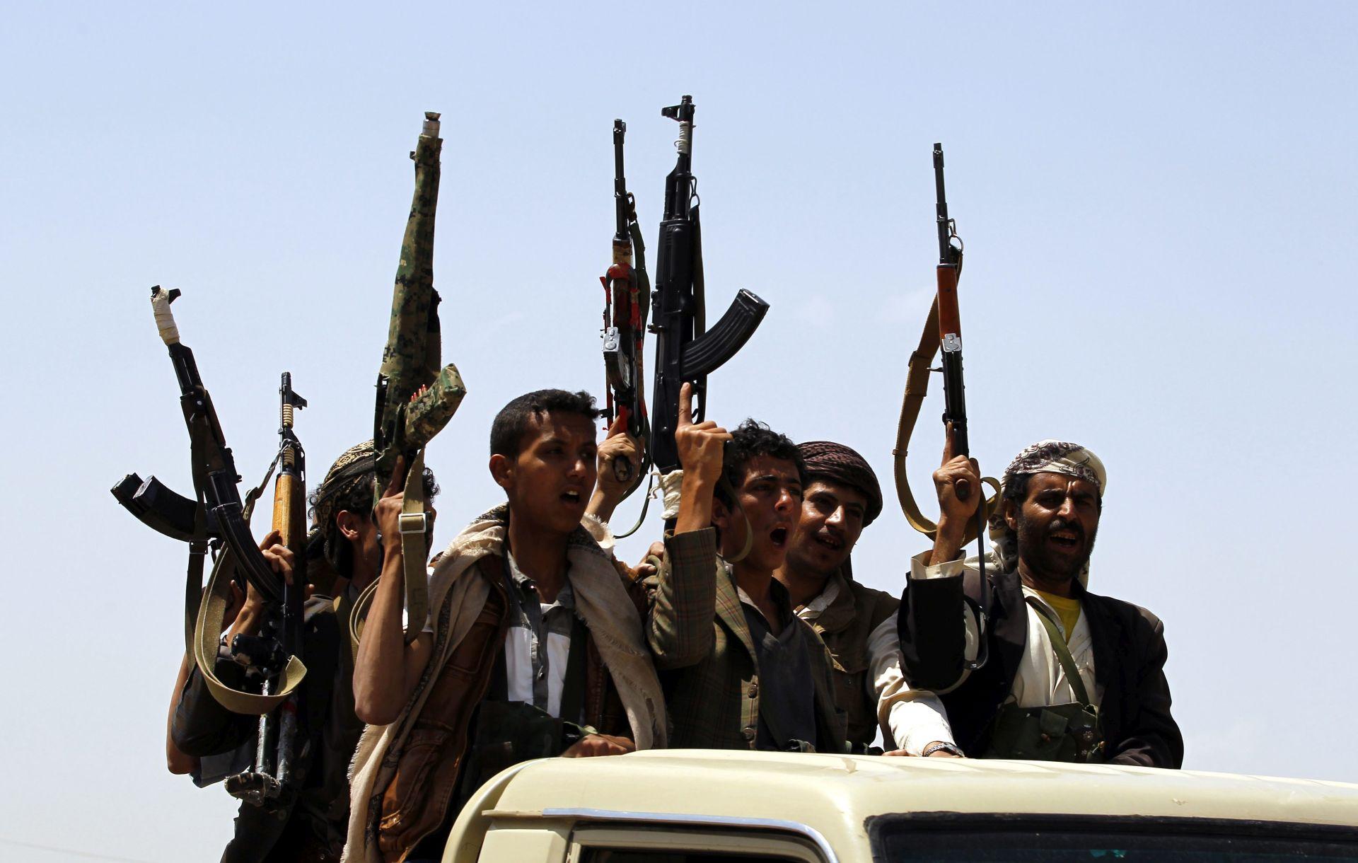 """GRAĐANI DRUGOG REDA: ISIL izdao """"jedanaest zapovjedi"""" za kršćane"""