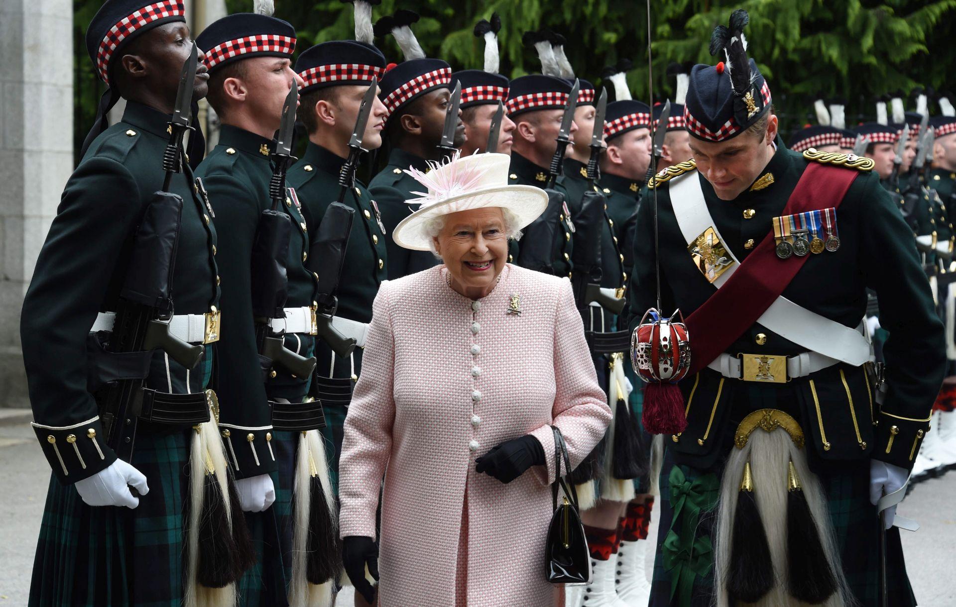 POSAO ZA CIJELI ŽIVOT Elizabeta II. postaje britanska vladarica s najdužim 'stažom'