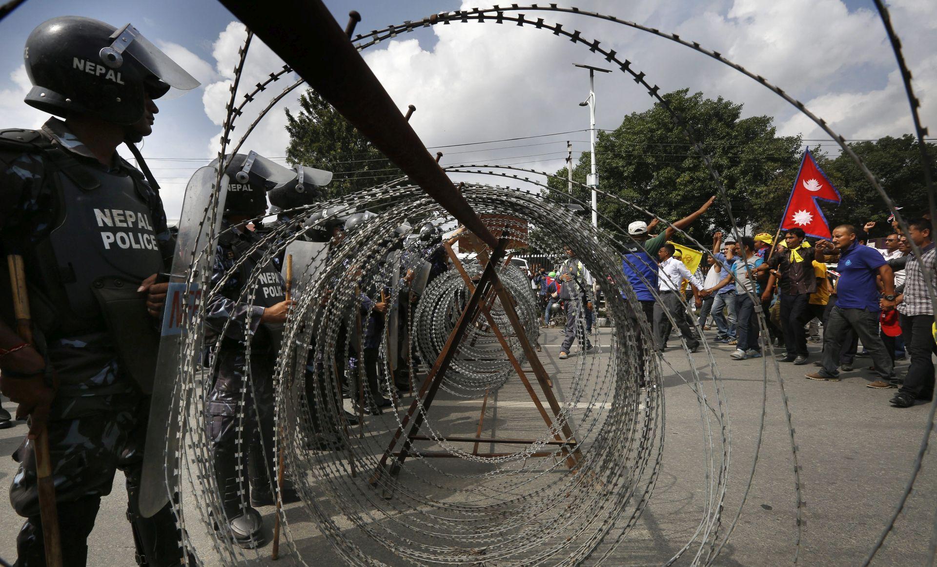 PROSVJEDI ZBOG NACRTA USTAVA Policija u Nepalu ubila pet prosvjednika