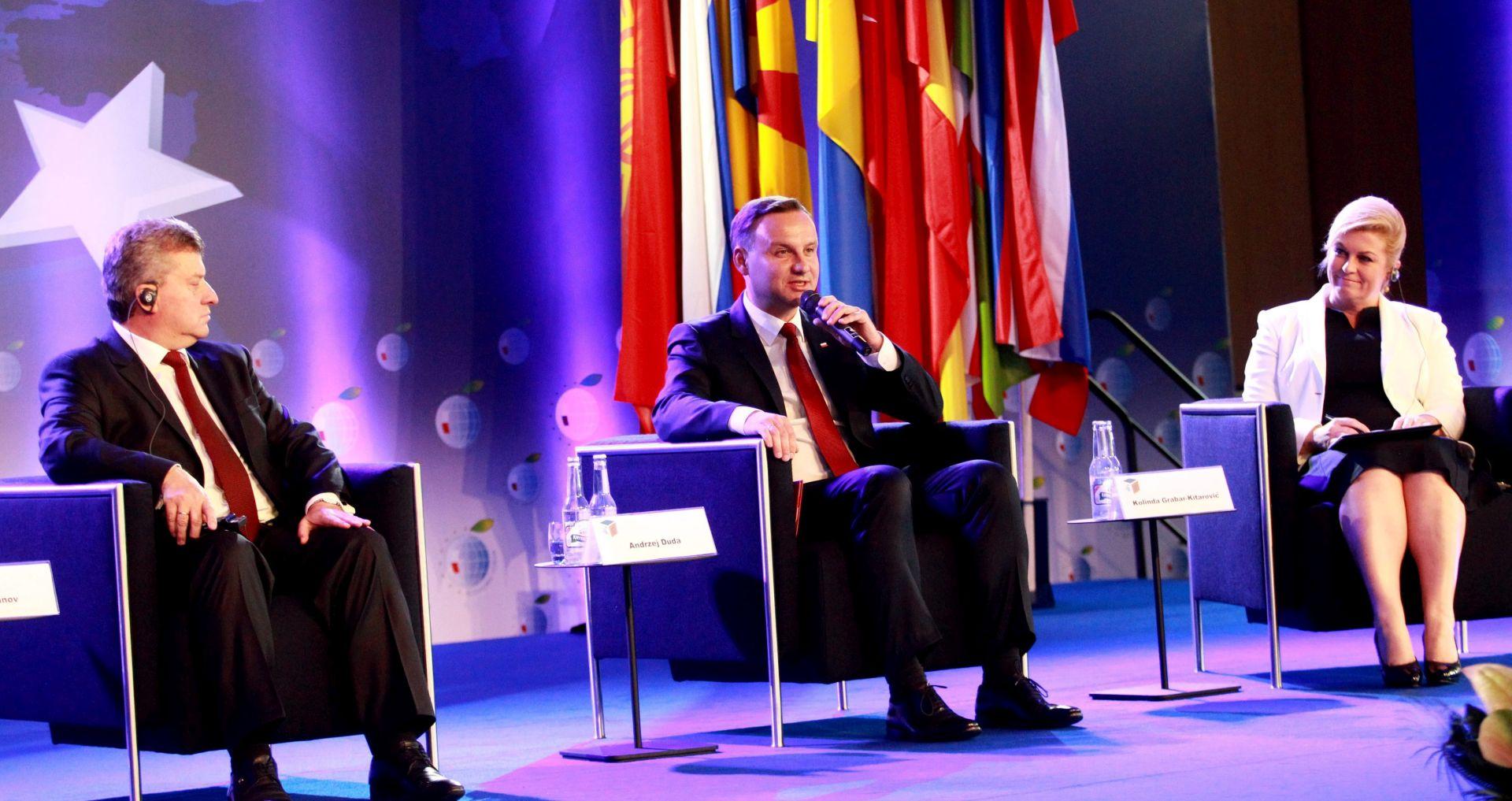 GOSPODARSKI FORUM Grabar-Kitarović: Europa prespora u odgovoru na krize
