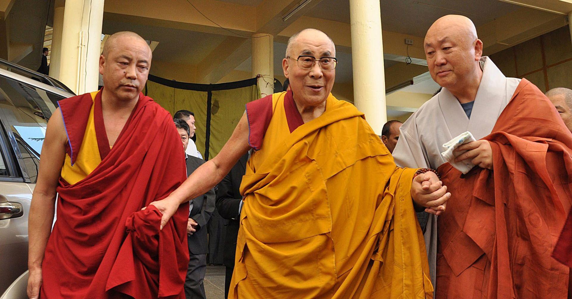 NA LIJEČNIČKI SAVJET Dalaj Lama otkazao posjet SAD-u zakazan za listopad