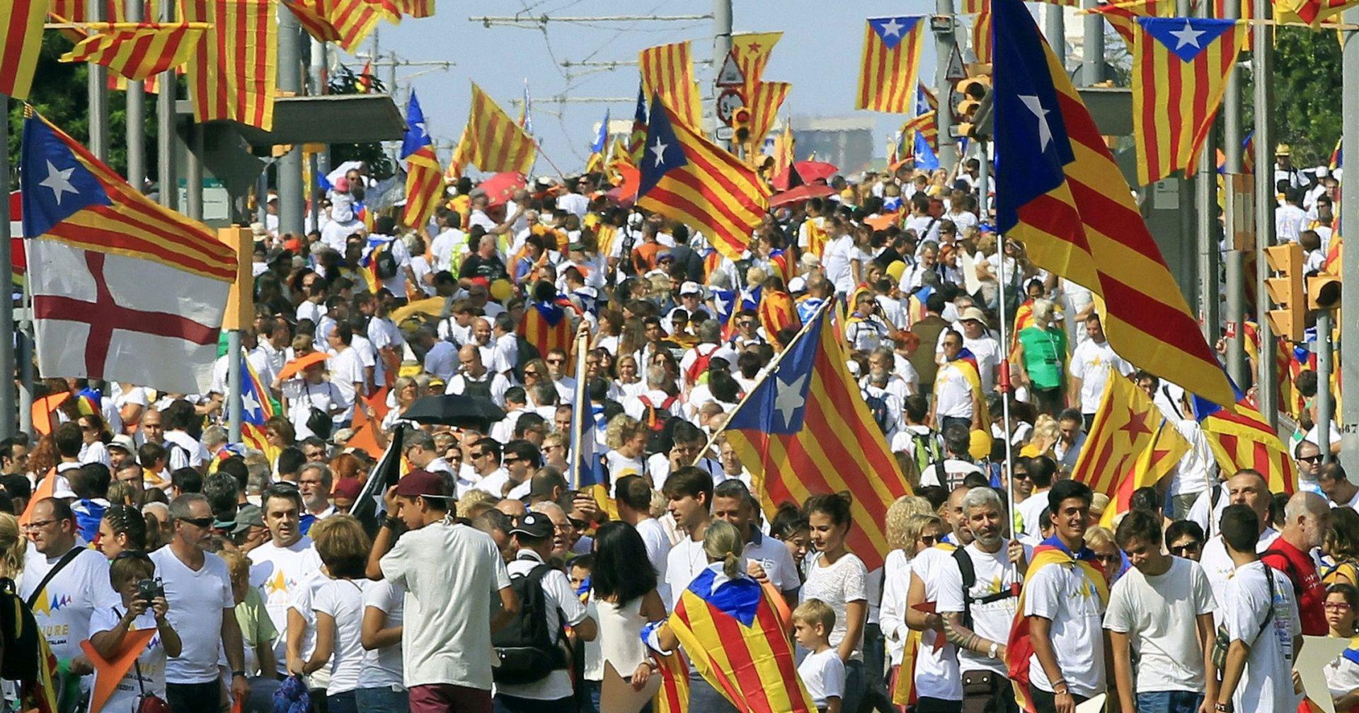 OTVORENA BIRALIŠTA Više od pet milijuna ljudi glasuje na povijesnim izborima u Kataloniji