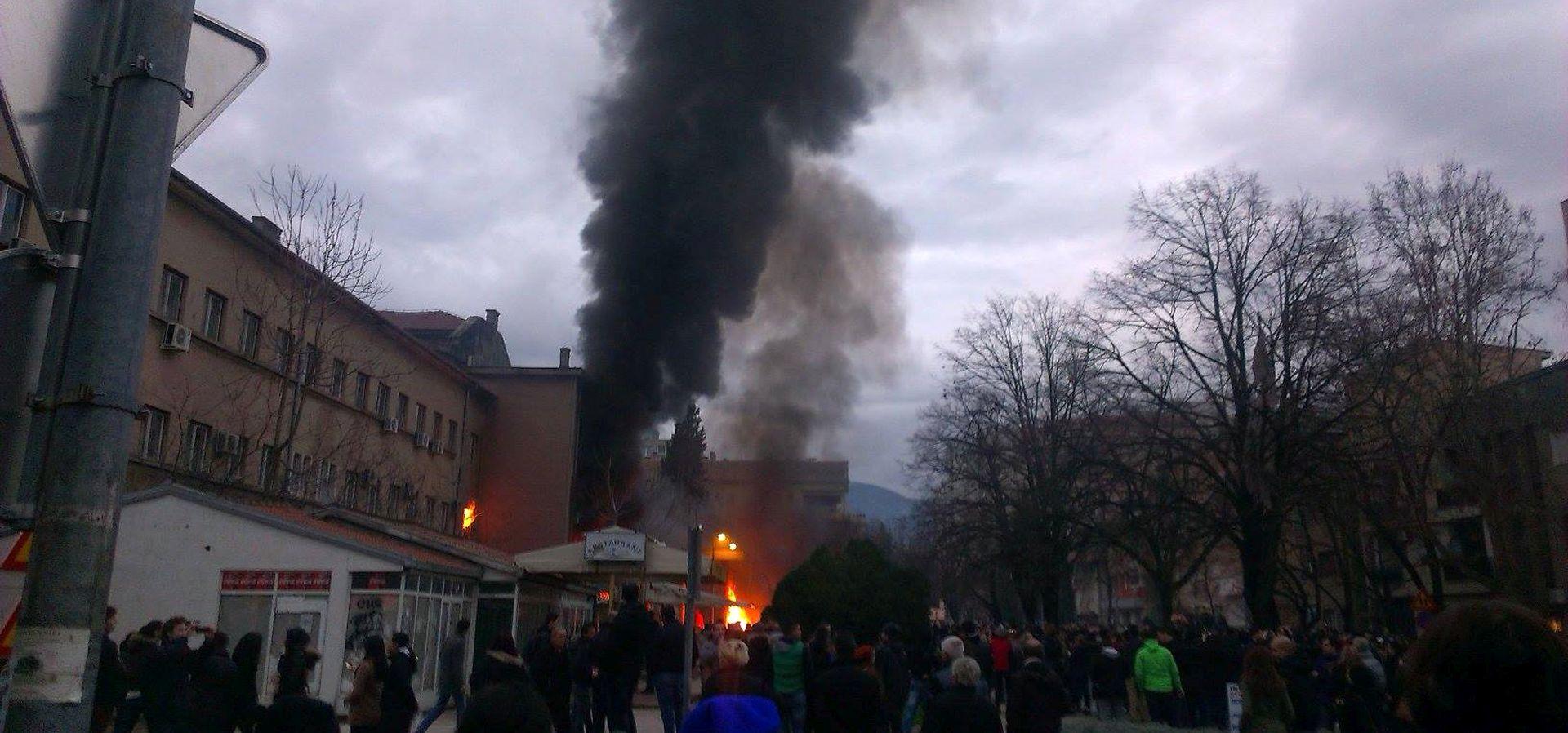 Počelo suđenje za paljenje državnih zgrada u Mostaru