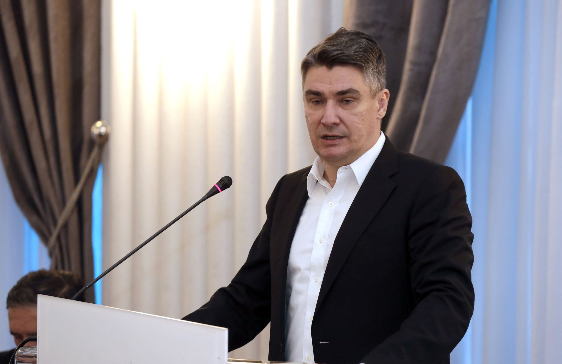 Milanović: Srbija neće uvesti mjere protiv Hrvatske, jer bi to bile mjere protiv EU