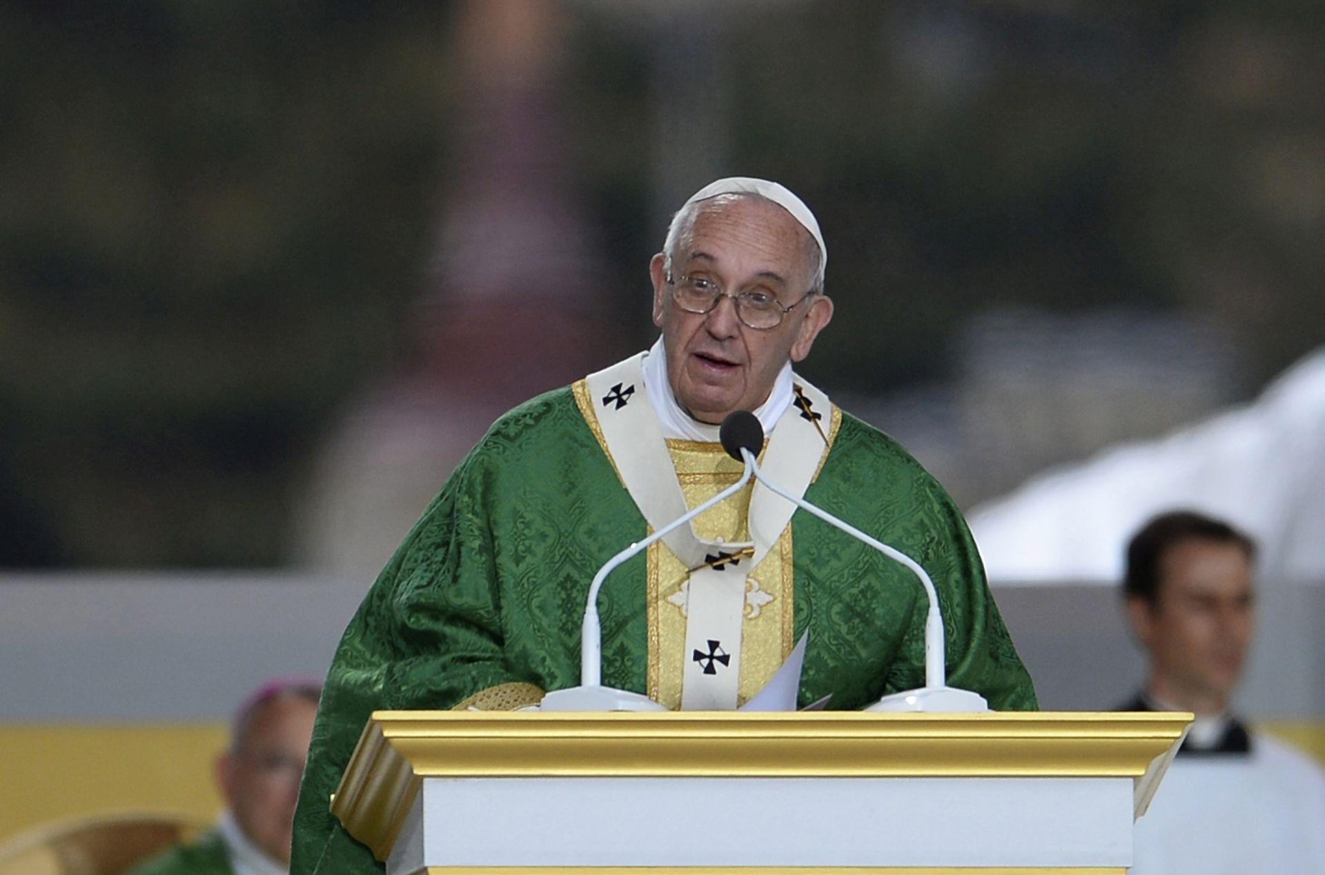 Papa se na kraju posjeta SAD-u očitovao o istospolnim brakovima