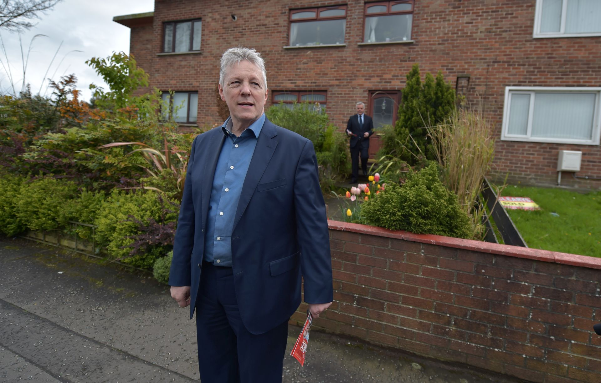 POLITIČKA KRIZA U SJEVERNOJ IRSKOJ Prvi ministar Peter Robinson podnio ostavku