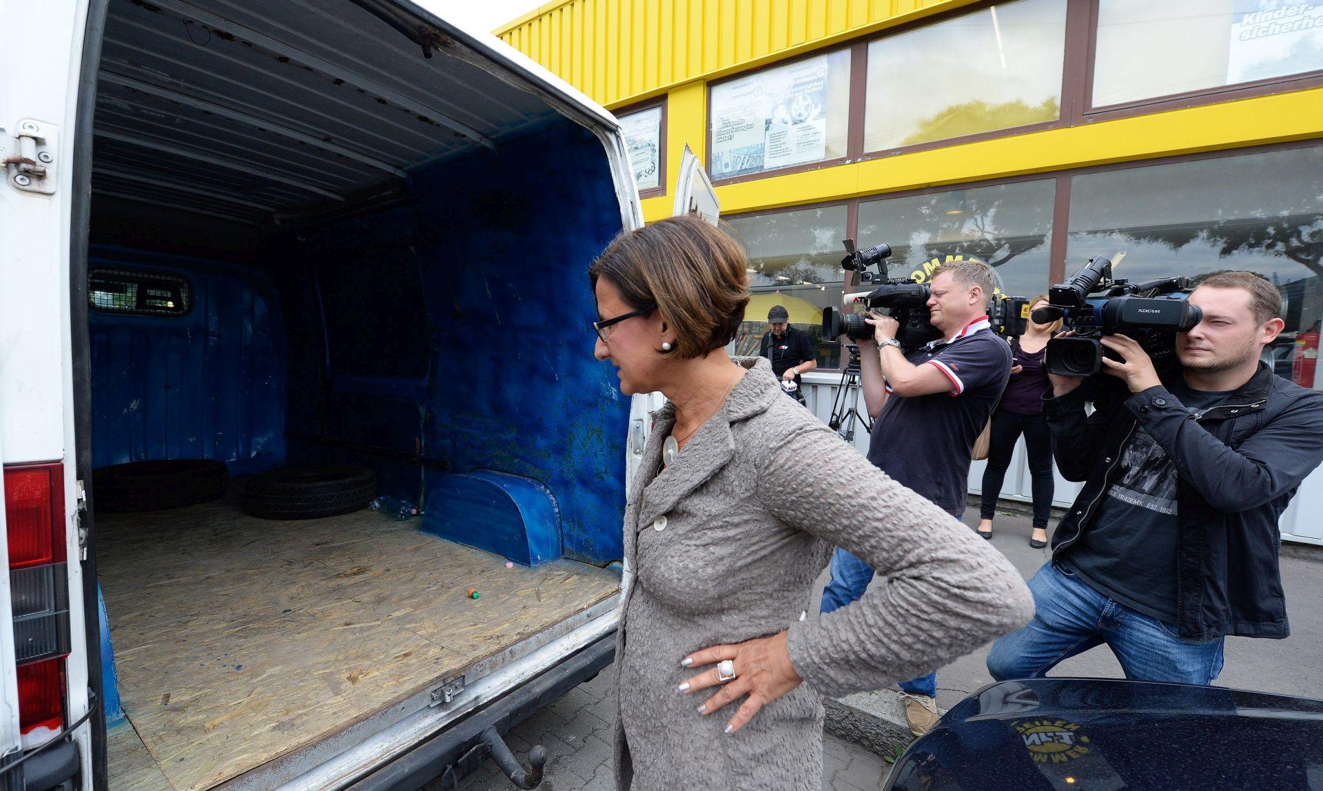 AUSTRIJSKA ISTRAGA Migranti se ugušili u kamionu – bio je hermetički zatvoren