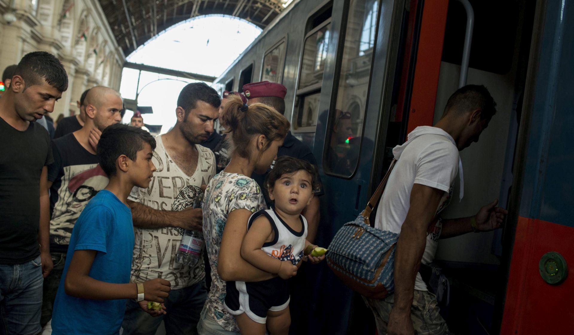 IZBJEGLIČKA KRIZA Budimpešta ponovno otvorila vrata željezničkog kolodvora