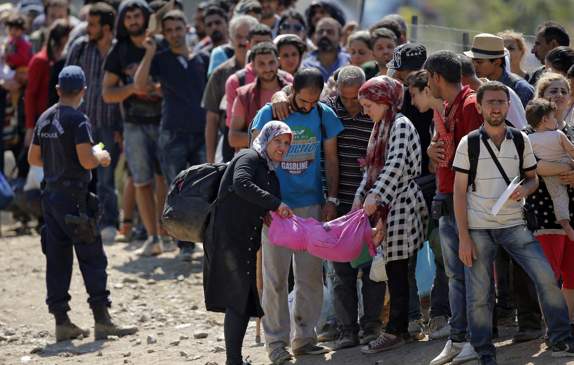Rekordan broj izbjeglica ušao u Makedniju, Juncker sljedeći tjedan predlaže novu shemu kvota