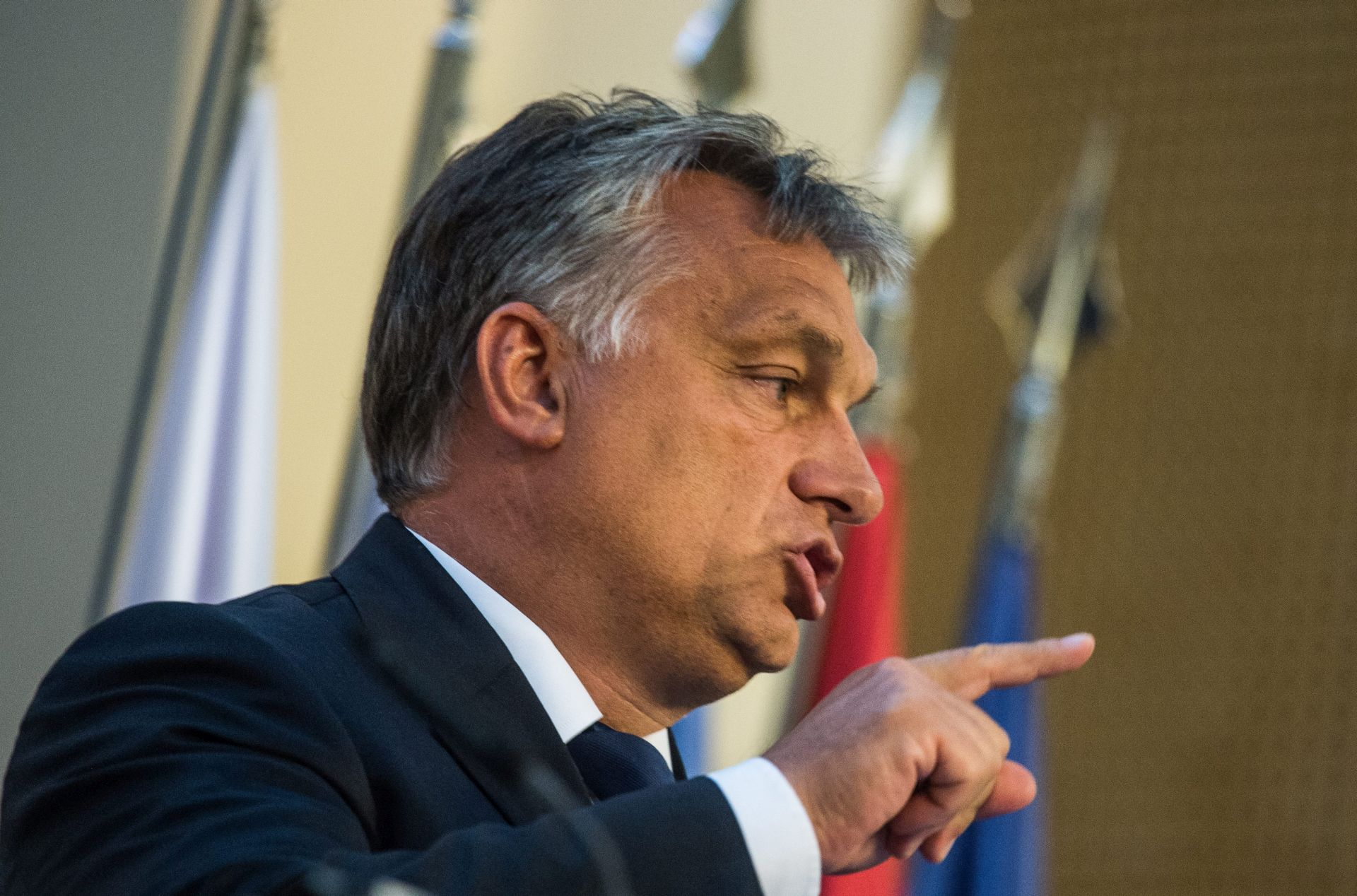 "Orban protiv ""moralnog imperijalizma"" Angele Merkel"