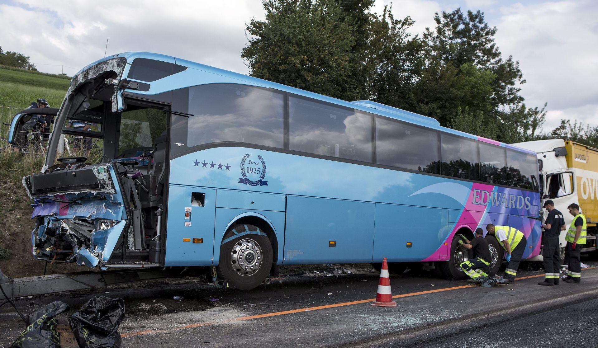 VELIKA PROMETNA U ŠVICARSKOJ U sudaru autobusa i četiri kamiona ozlijeđena 41 osoba