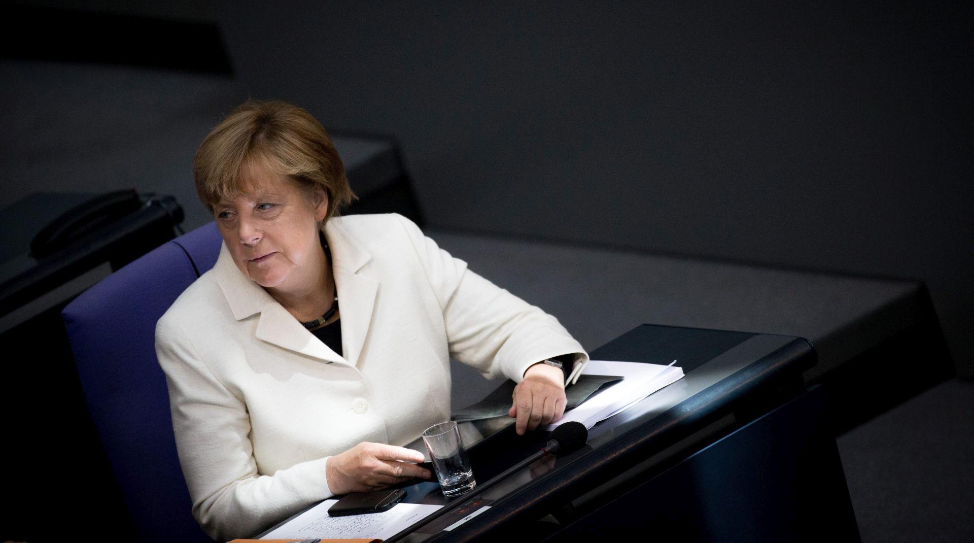 ZBOG IZBJEGLIČKE KRIZE Pada popularnost kancelarke Merkel
