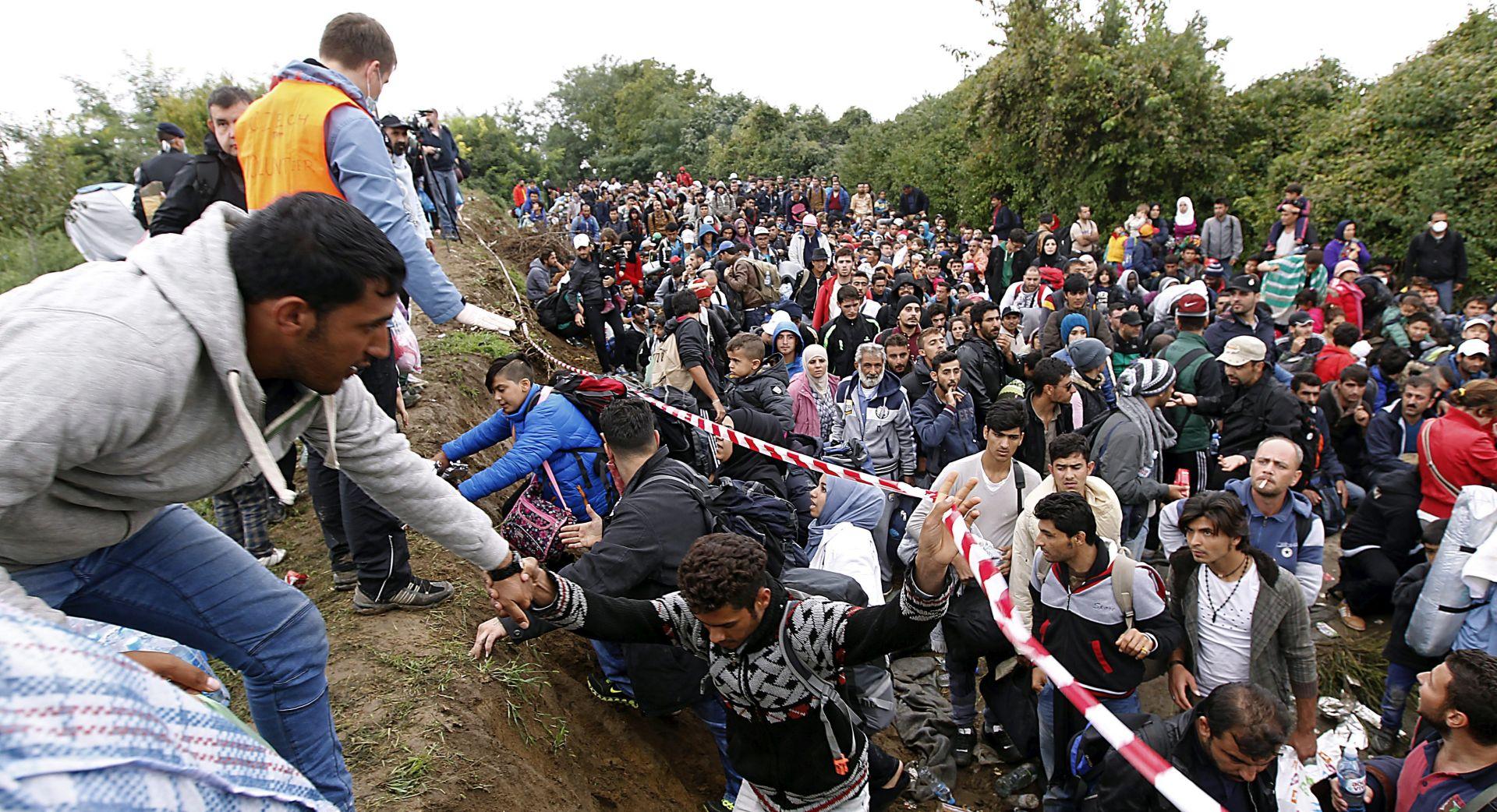 IZBJEGLIČKA KRIZA U Hrvatsku do nedjelje ušlo 73.500 migranata, stižu stalno