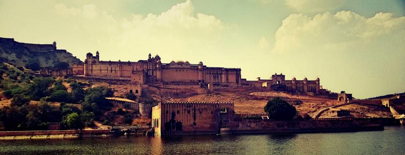 VIDEO: Zanimljiva vožnja kroz indijski grad Jaipur