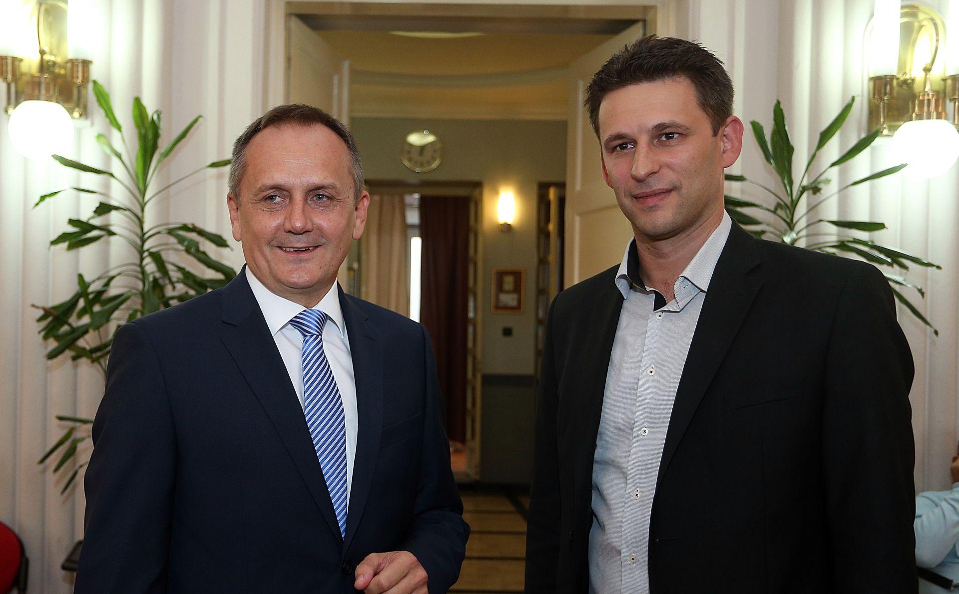 Prgomet i Petrov: Nećemo poduprijeti ni HDZ-ovu niti SDP-ovu koaliciju
