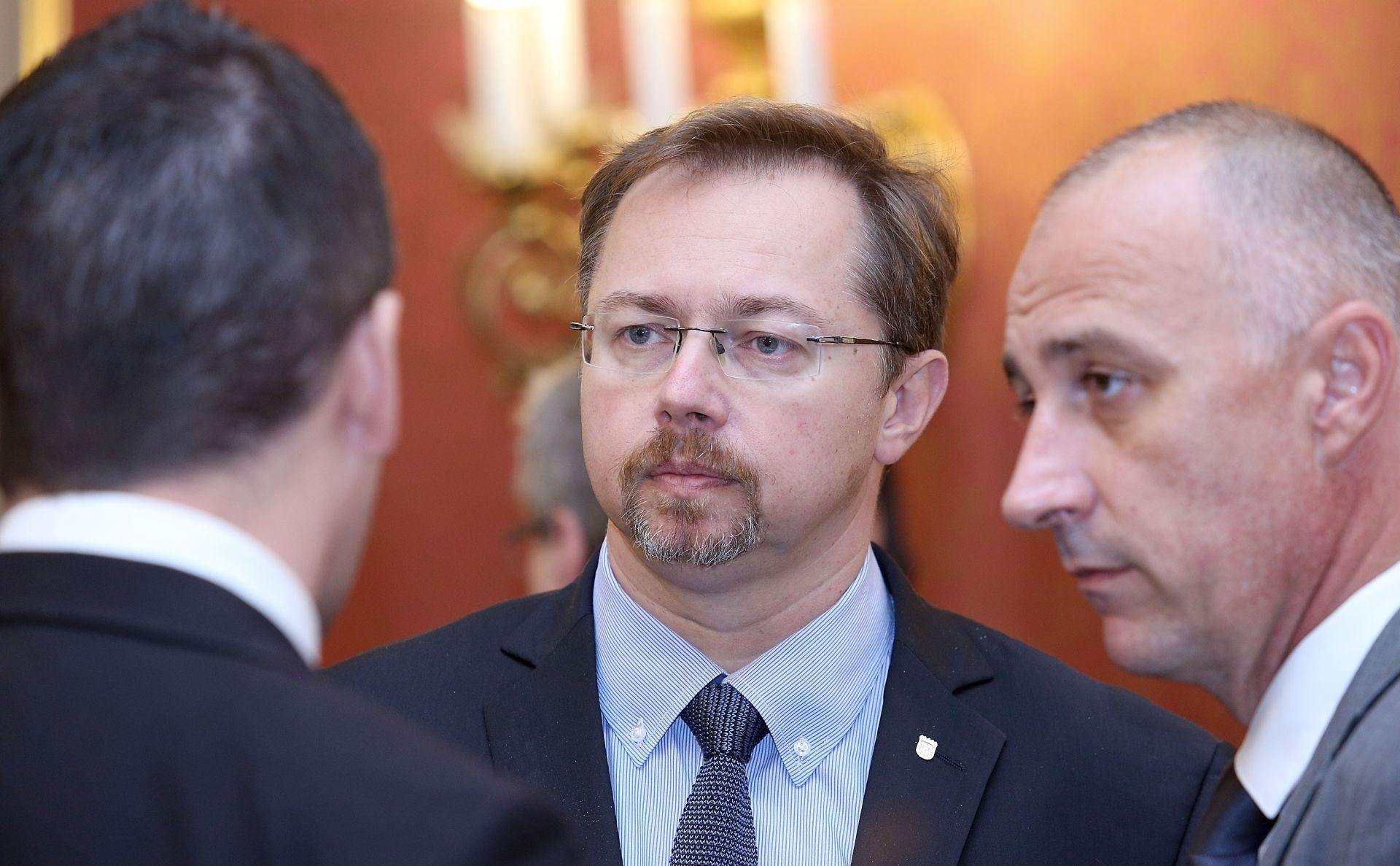 Ministar Varga pohvalio medicinsko osoblje koje skrbi o izbjeglicama
