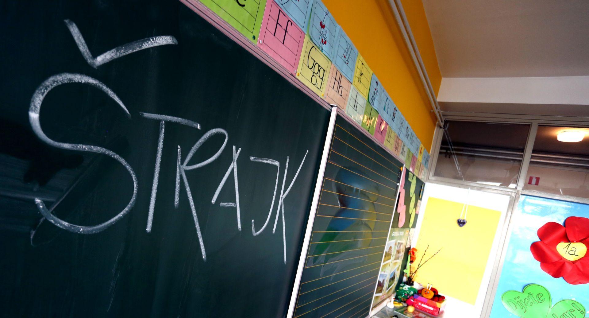 U UTORAK NOVI PREGOVORI Štrajk u školama i znanstvenim institucijama se nastavlja