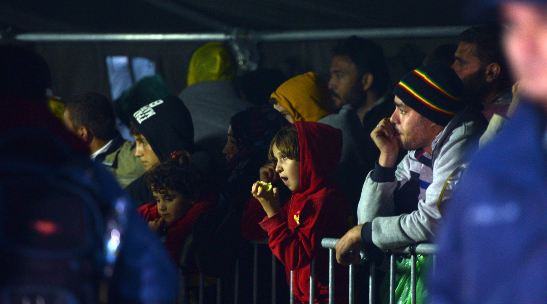 NEMA ULASKA PREKO JUGA U Hrvatsku do sada ušlo više od 82 tisuće izbjeglica