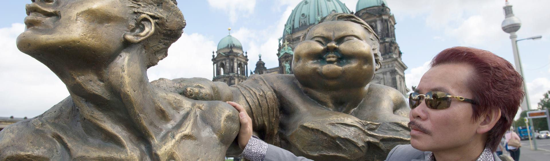 VIDEO: Kineski kipar Xu Hongfei izlaže svoje radove na svjetskoj turneji