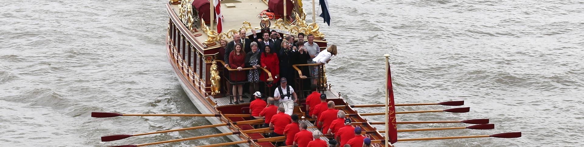 POČAST Ceremonija na rijeci Temzi u čast kraljice Elizabete