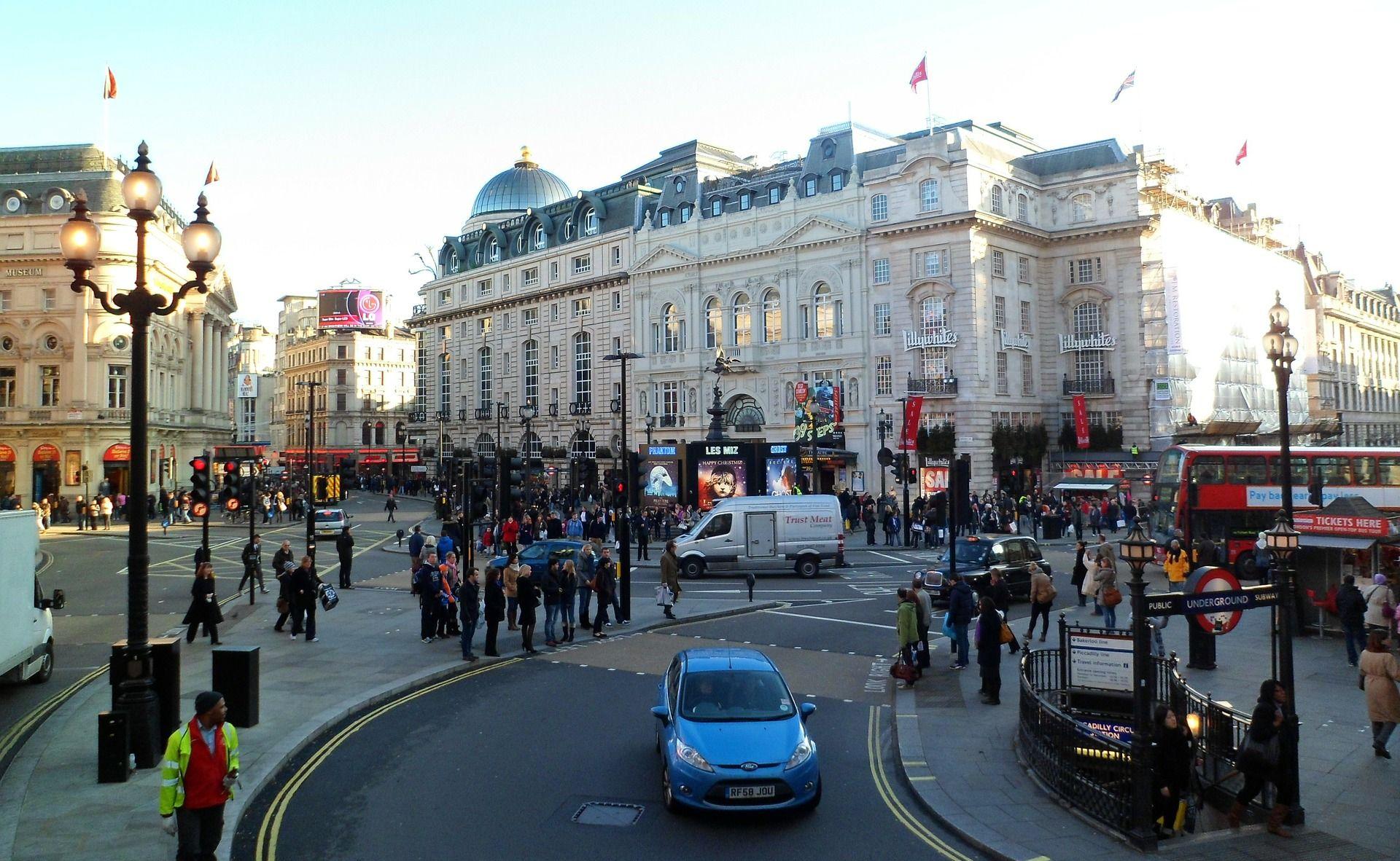 UBOJSTVO USRED BIJELA DANA U Londonu nasred ulice ubijen 25-godišnjak