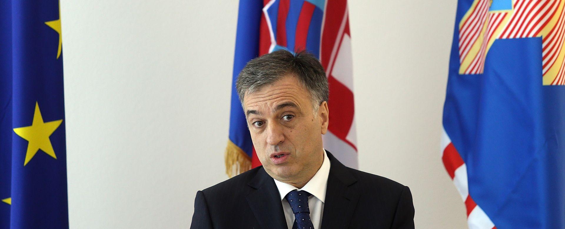 EU I NATO ČLANSTVO: Vujanović kaže da se Nikolić miješa u državnu politiku Crne Gore