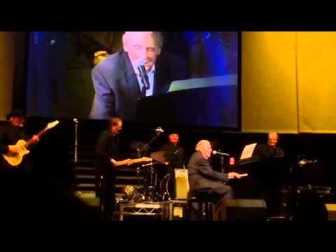 VIDEO: Iako mu je osamdeset, Jerry Lee Lewis i dalje je vatren