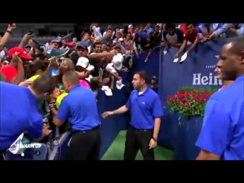 VIDEO: Roger Federer uz pomoć redara spasio malog navijača u New Yorku
