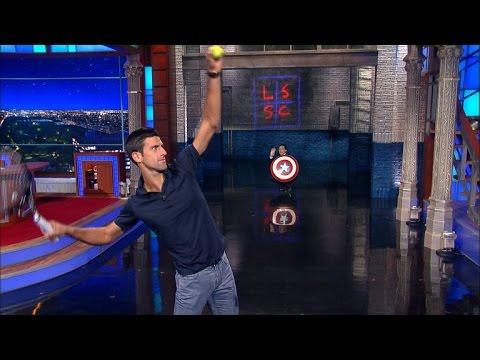 VIDEO: Novak Đoković servirao as u glavu Stephena Colberta