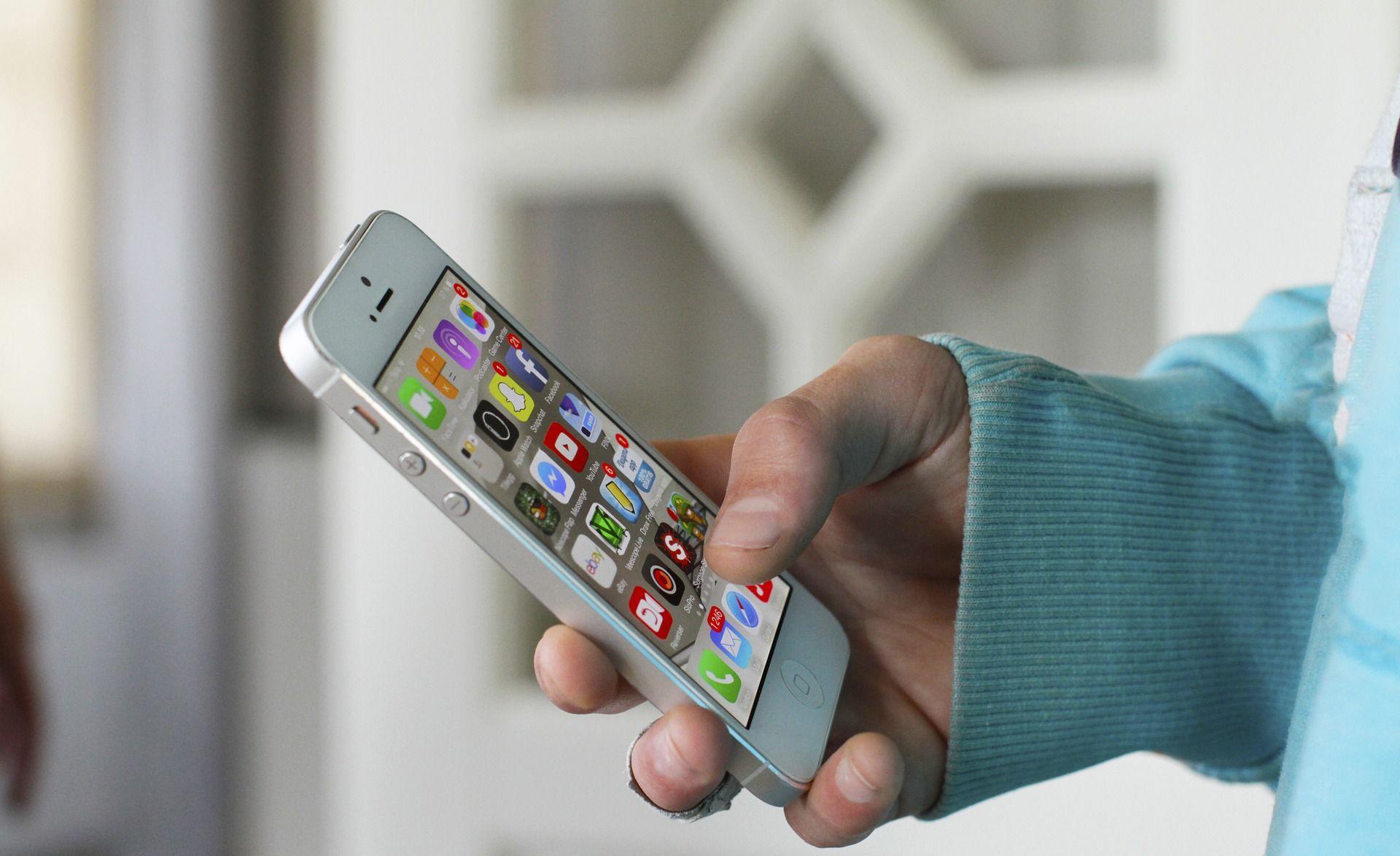 Apple usporio iPhone, sada slijede tužbe