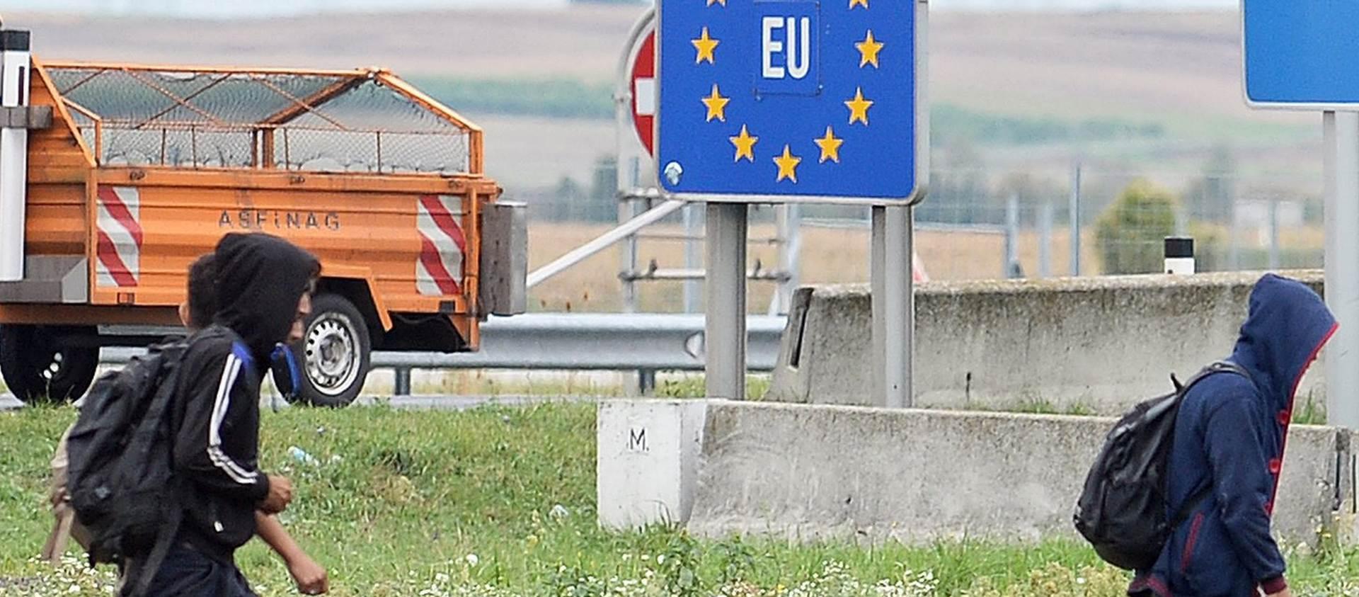 Kurz: Makedonija ne može sama u izbjegličkoj krizi, problem Grčka