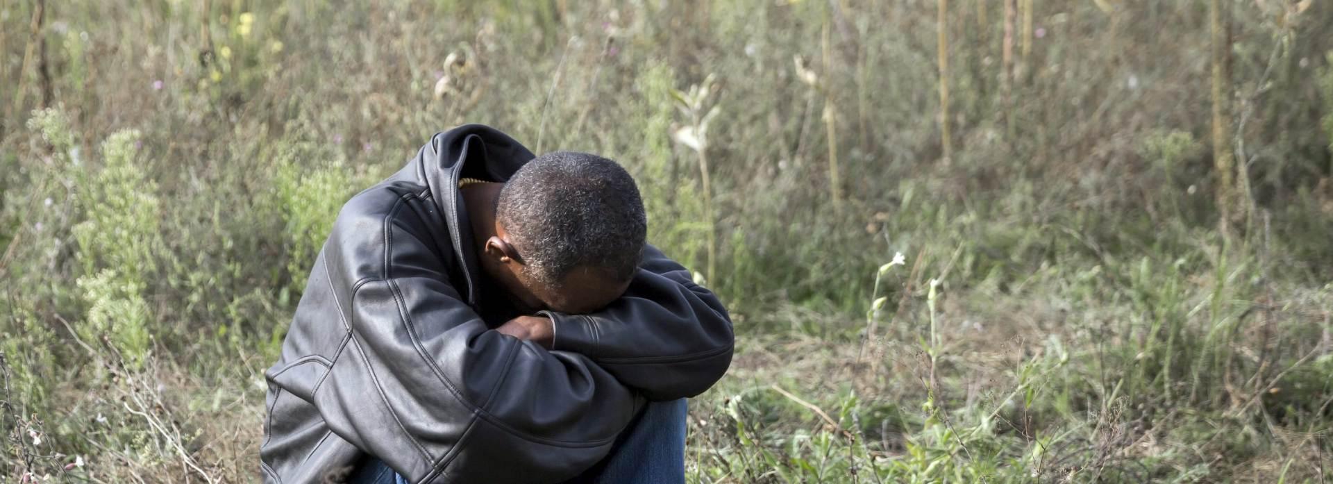 Rumunj u kombiju prevozio namještaj i 16 ilegalnih migranata