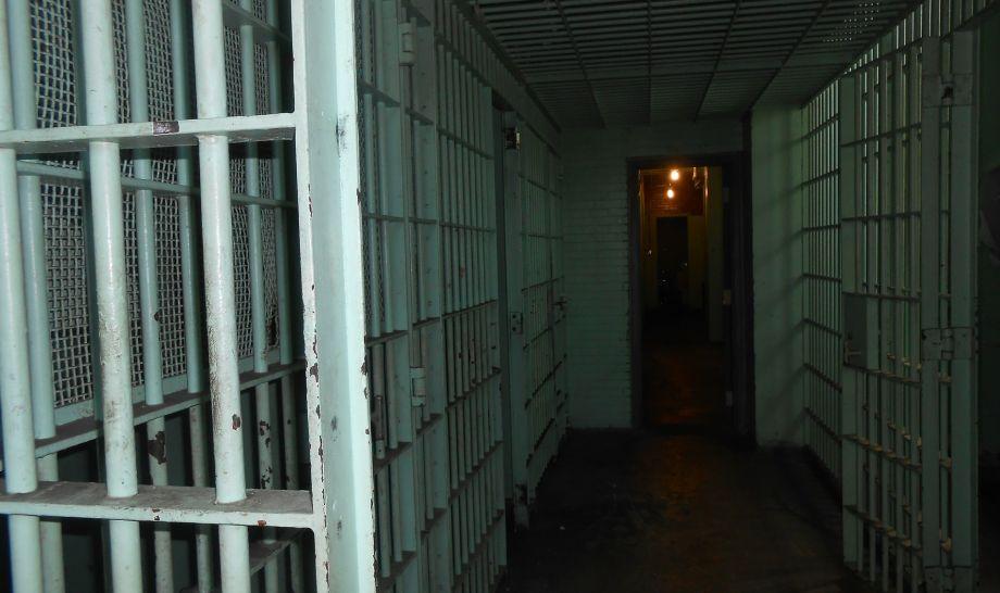 KAOS U GLINI Pobuna zatvorenika zbog trovanja, pokušaj silovanja…