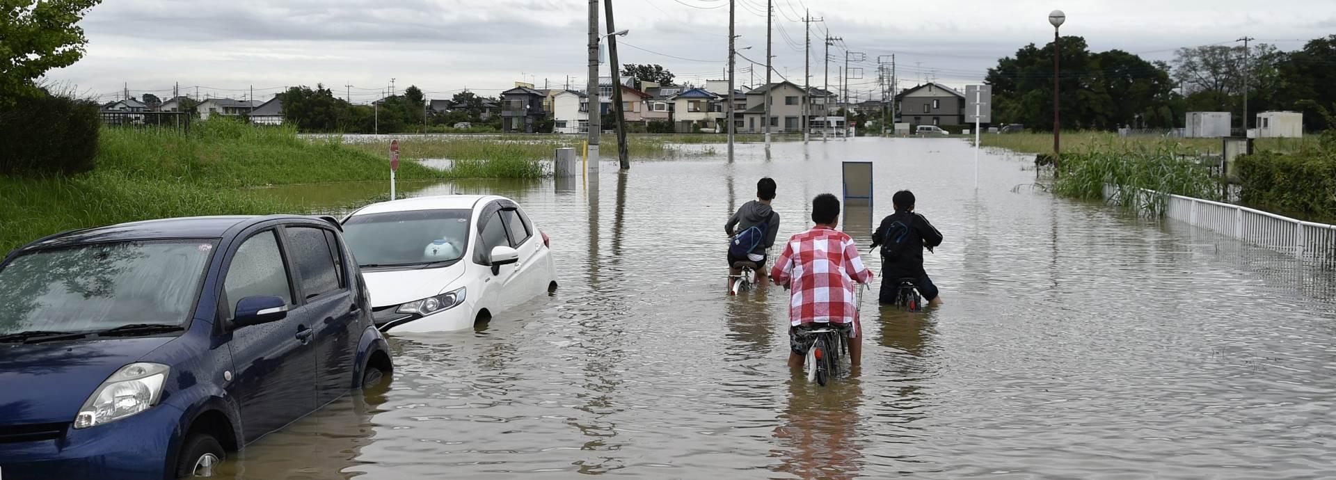 CIKLON KILO: Poplave pogodile Japan, 25 nestalih, 100 tisuća evakuiranih